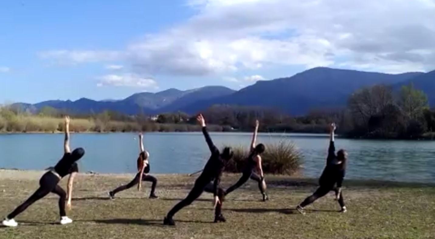 danse au bord du lac
